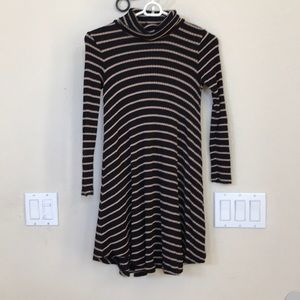 3x$20 Soft & Sexy turtleneck sweater dress xs